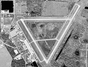 Charlotte County Airport FL 6 Jan 1999.jpg