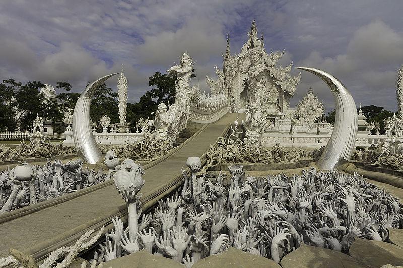 File:Chiang Rai - Wat Rong Khun - 0007.jpg