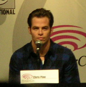 Chris Pine at WonderCon 2009.JPG