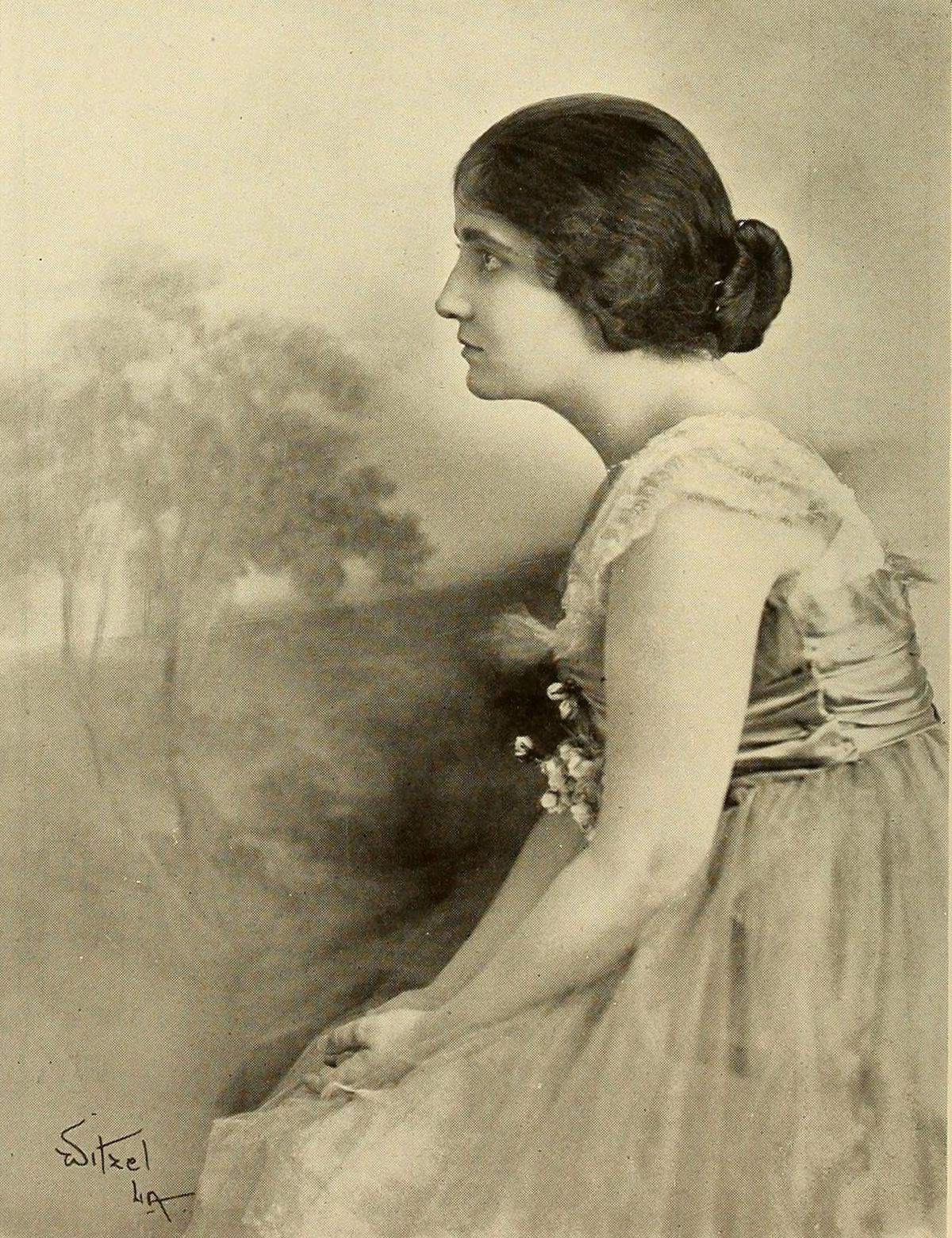 Clara Williams