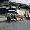 Collectie NMvWereldculturen, TM-20026451, Dia- 'Dos-a-dos in Bukittinggi', fotograaf Boy Lawson, 1971.jpg