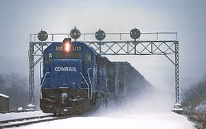 Conrail - A Conrail train led by EMD GP40 3209 at Duncannon, Pennsylvania.