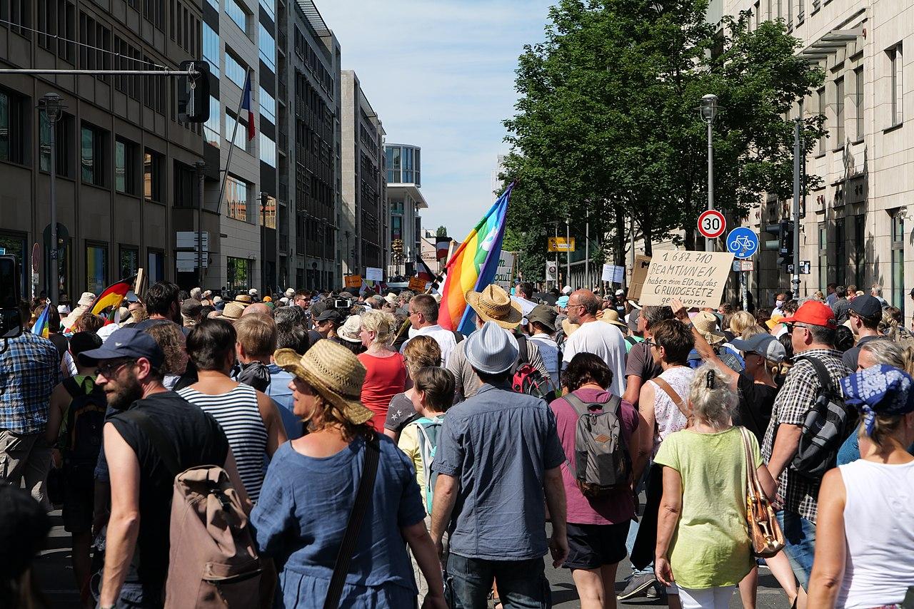 Conspiracy theorist protest Berlin 2020-08-01 138.jpg