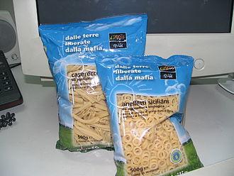 Libera. Associazioni, nomi e numeri contro le mafie - An example of products made by Terra Libera