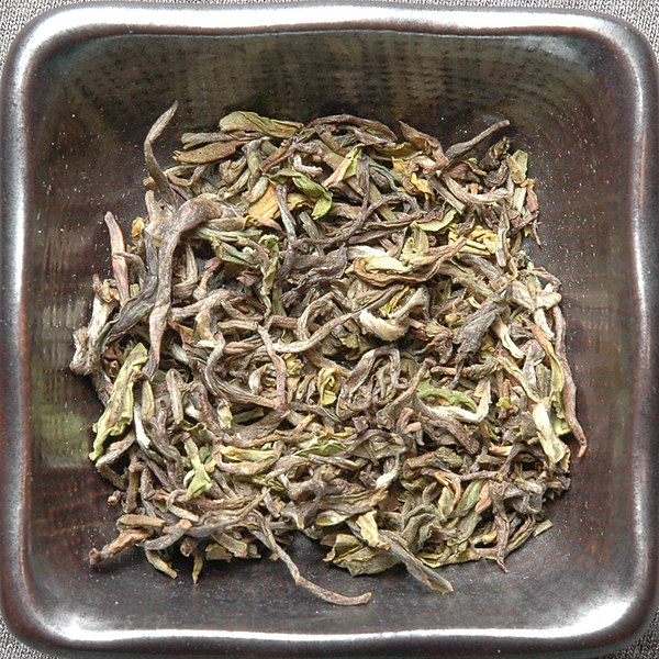 File:Darjeeling-tea-first-flush-leaf-dry.jpg