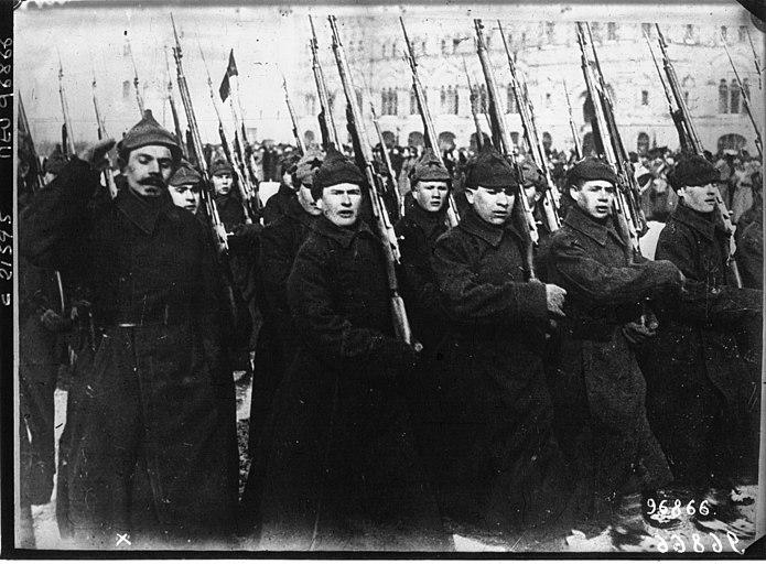 DesfileDeInfanteríaDelEjércitoRojoEnMoscú1922.jpeg