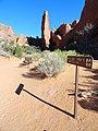 Devils Garden Trail, Arches (29601501136).jpg