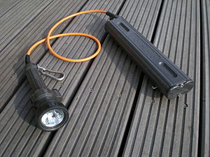 Night diving - A canister style dive light