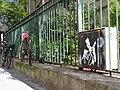 Django Reinhardt by Jay et les vélo, Paris le Marais (27077458035).jpg