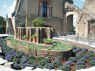 Flavian Palace - Oval fountain of the cenatio