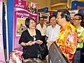 Dr Khoo with Y.B Dato Sri Liow Tiong Lai at IMYBEST Pahang.JPG
