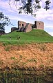 Duffus Castle - geograph.org.uk - 9620.jpg