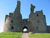 DunstanburghCastle(ChrisMcLean)Aug2005.jpg