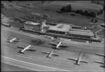 ETH-BIB-Flughafen-Zürich, Flughof, Tarmac, Flugzeuge-LBS H1-015494.tif