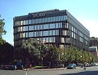 Edificio de La Caixa en Madrid.