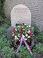 Elsendorp, oorlogsmonumentje bij RK kerk.JPG