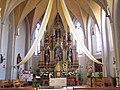 Ergolding Kirche Sankt Peter Altarraum.jpg