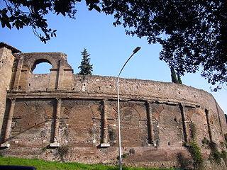 Esquilino - Anfiteatro Castrense 1000921.JPG