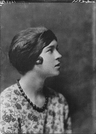 Eva Le Gallienne - Arnold Genthe (1869-1942)/LOC agc.7a14724. Eva Le Gallienne, not before 1916