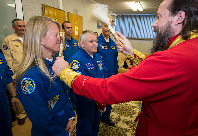 File:Expedition 36 Crew Blessing (201305280004HQ).jpg