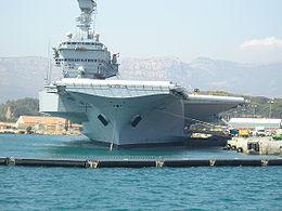 Den franske flådes flagskib Charles de Gaulle.