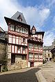 Façades de maisons, place de la Congrégation, Josselin, France-2.jpg