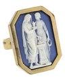 Fingerring med kamé förställande två kvinnor, 1800-talets mitt - Hallwylska museet - 110216.tif