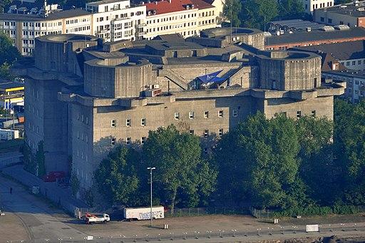 Flakturm IV (Hamburg-St. Pauli).crop.phb.ajb