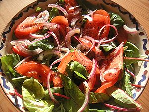 Dansk: Salat English: Salad with baby spinach