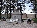 Forest-en-Cambrésis (Nord, Fr) monument aux morts.jpg