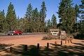 Forest entrance sign, Deschutes National Forest (36951191281).jpg