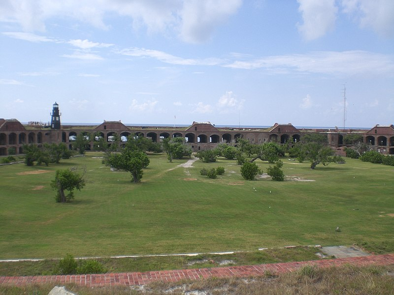File:Fort Jefferson Courtyard.jpg