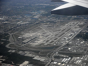Interstate 595 (Florida) - I-595 seen from the air to the right of FLL airport