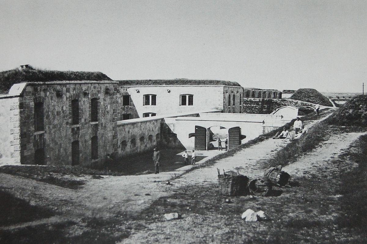 Forte Dossobuono - Wikipedia