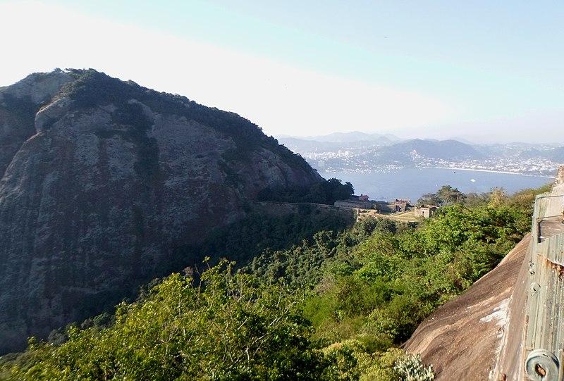 File:Forte São Luiz - Forte do Pico - panoramio.jpg