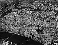 Frankfurt 1945 June destructions after bombing raids old town aerial.JPG