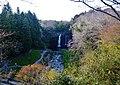 Fujinomiya Shiraito-Wasserfall 01.jpg