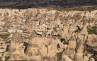 Göreme Valley in Cappadocia edit1.jpg