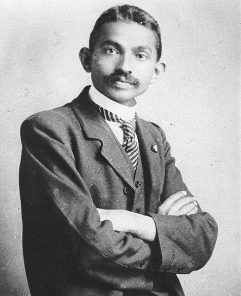 படிமம்:Gandhi costume.jpg