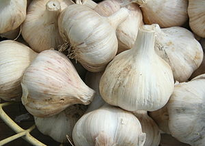 A basket of garlic (allium sativum) offered fo...