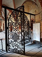 Gate in the east wing of the cloisters in Riga Dome Cathedral (3).jpg