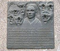 Gedenktafel Ursula Goetze (1987).jpg