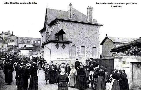 Grève contre l'Usine Beaulieu (Limoges, France - 9 mai 1905).jpg