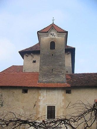 Gracar Turn - Image: Gracarjev turm stolp z uro