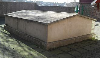 Lewes Free Presbyterian Church - Huntington's grave at the chapel
