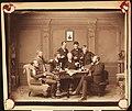 Gruppe menn som røyker pipe og drikker portvin (5986688117).jpg