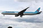HL8210 Boeing 777 Korean (14601019998).jpg