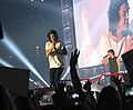 Harry and Louis - One Direction (14726790097).jpg