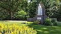 Heilig Hartbeeld in tuin Dekkerswald (1).jpg