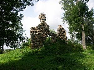 Helme, Estonia - Image: Helme castle ruins